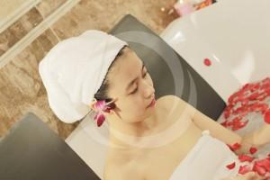 Giá tắm trắng toàn thân theo liệu trình là bao nhiêu?