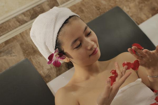 Bí quyết tắm trắng toàn thân của những cô gái Nhật