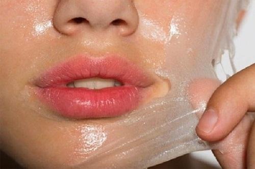 Kem lột trắng da có thể gây bào mòn, khiến da bị tổn thương