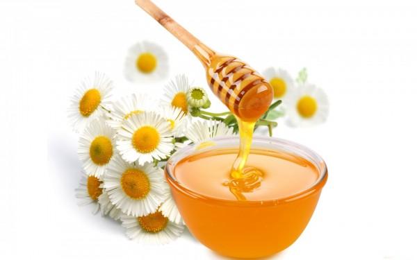 Tắm trắng bằng thảo dược kết hợp với mật ong
