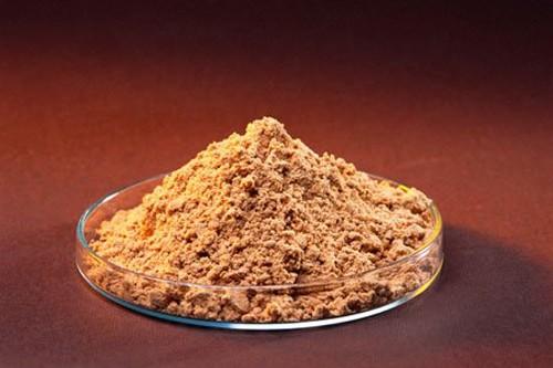 Công thức làm trắng da với mật ong và bột gỗ đàn hương