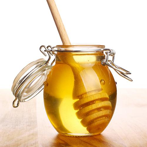 Mật ong nuôi dưỡng da từ sâu bên trong