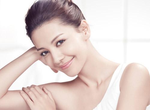 Làm trắng da mặt giúp chị em phụ nữ tự tin hơn
