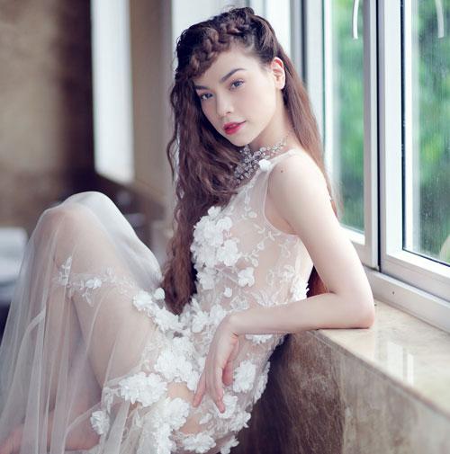 Hồ Ngọc Hà càng trở nên xinh đẹp hơn với làn da trắng mịn