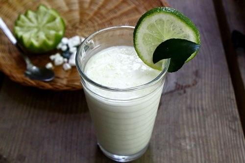Nước cốt chanh và sữa tươi đều là những nguyên liệu làm trắng da tay hiệu quả