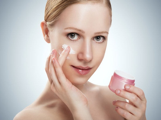 Sử dụng kem dưỡng trắng da đúng thời điểm để kem phát huy tác dụng tối đa