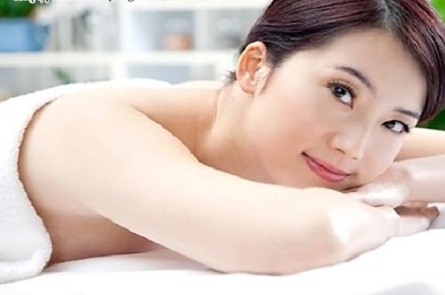 Cách làm trắng da tay hiệu quả bằng công nghệ tắm trắng Nhật Bản