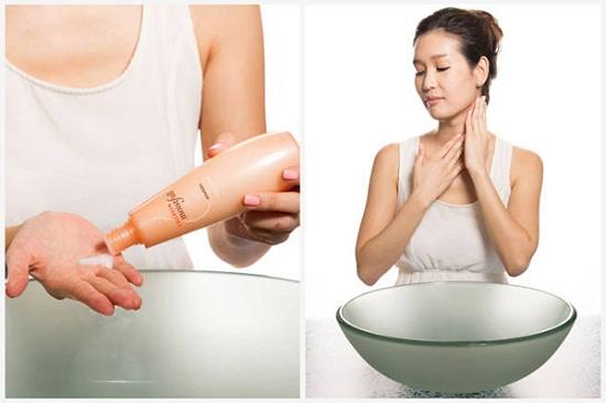 Dưỡng thể dạng sữa nhanh chóng thẩm thấu dưỡng chất khi tiếp xúc với da
