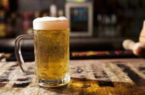 Tắm trắng bằng bia – HIỆU QUẢ KHÔNG NGỜ!