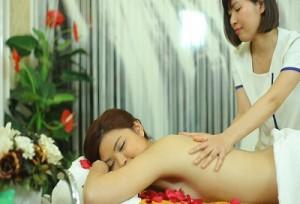 Tắm trắng toàn thân – Duy trì tuổi thanh xuân cho làn da